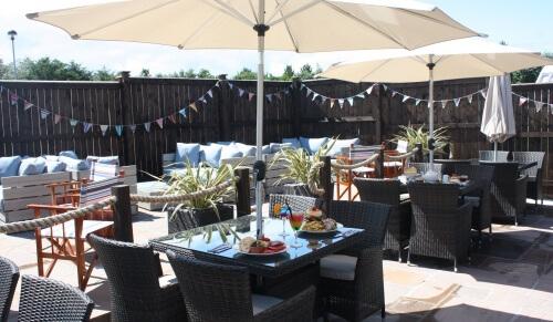 Coast Cafe Bar - South facing al-fresco dining area